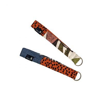 Kurze Schlüsselbänder aus Textil in verschiedenen Farben und Mustern